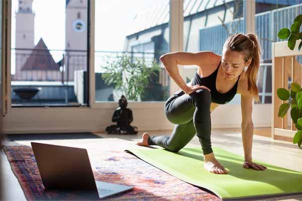 تمرین در خانه راهکار بسیار مناسب برای ورزش کردن می باشد.